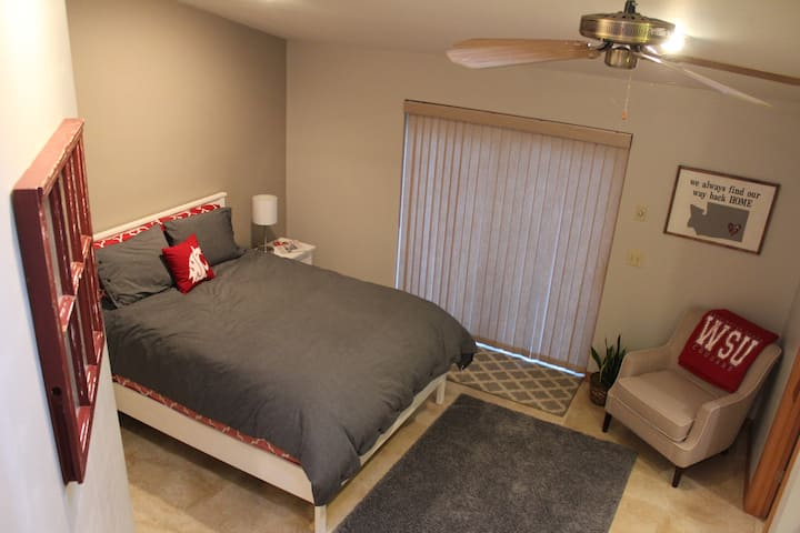 Master Guest Suite on Sunnyside Hill