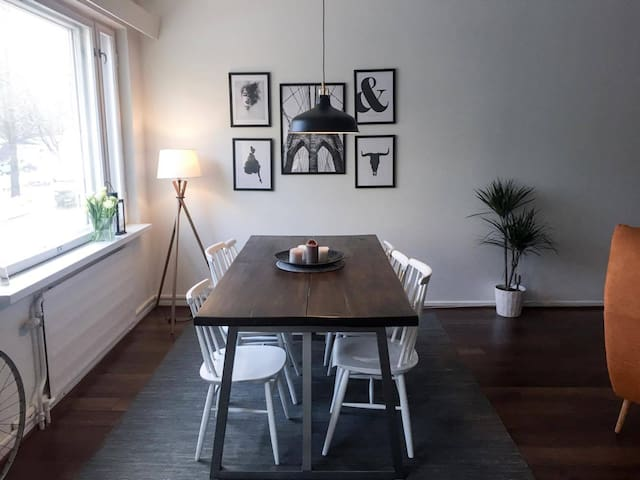 Spacious and chic apartment next to Kallio!