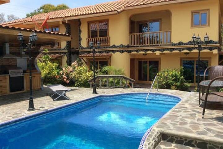 Priority Villa #2, pool, 2 story, BBQ, Wi-Fi,