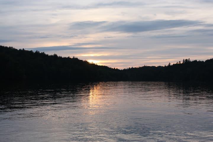 Adirondack Waterfront Open Loft at B&B