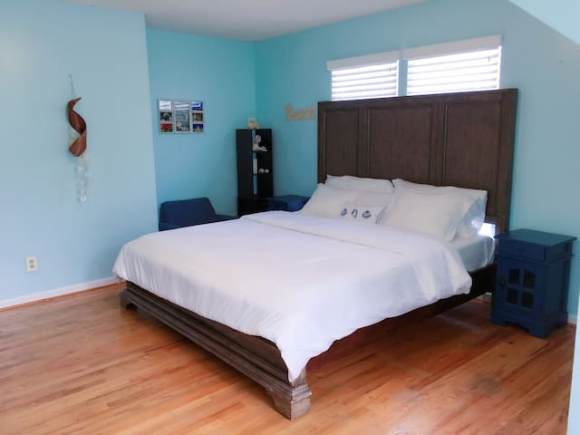 Smart Beach Themed Private King Room