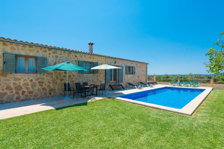 FINCA ALBOCASSER - Villa with private pool in Manacor.