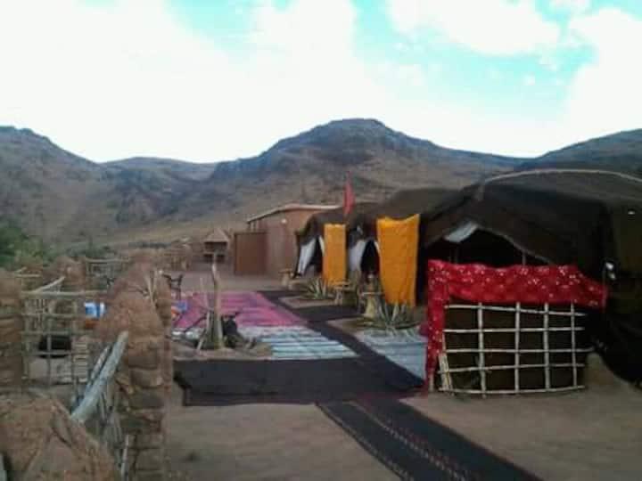 Bivouac des aigles, oasis de Fint, Ouarzazate.