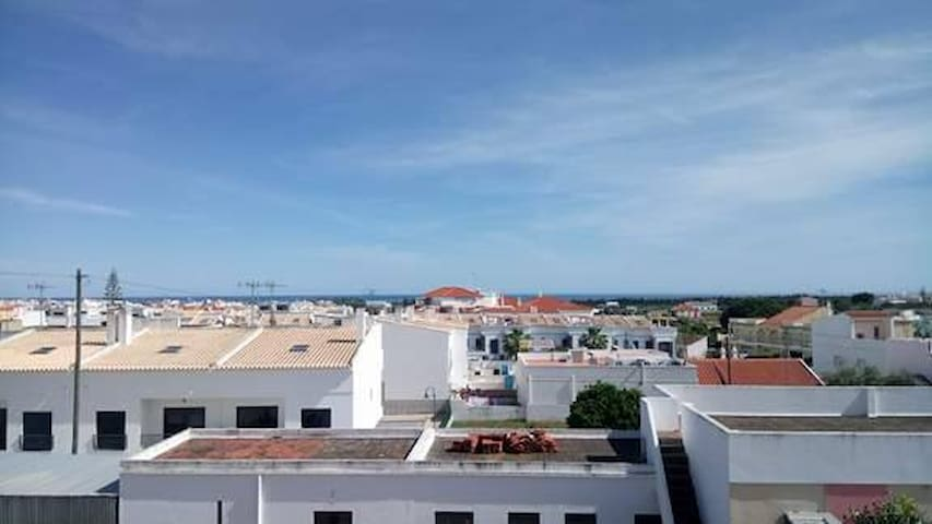 Seaview apartment, 2 bedrooms, 2 km to the beach