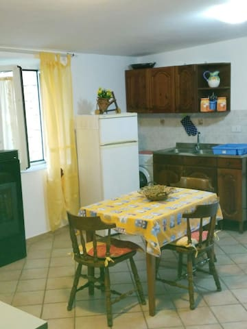 Delizioso mini appartamento, a due passi da Roma. - Prato Rinaldo - Appartement
