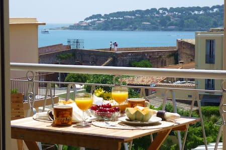 Cap View' stunning sunny terrace & sea views!