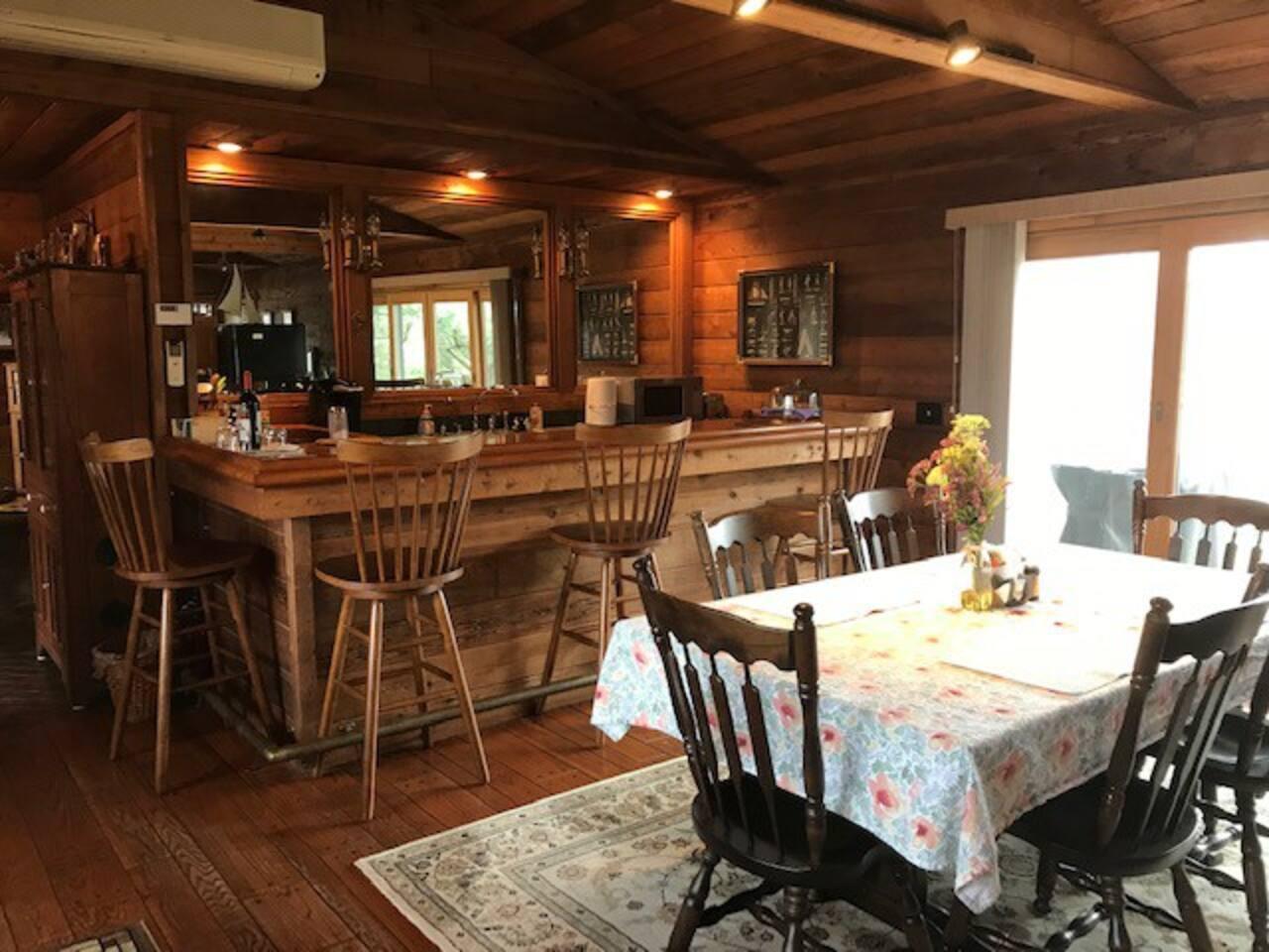 Bar/Kitchen/Dining Area