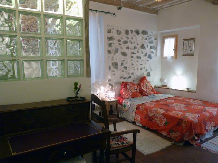 Chambre dans maison de village médiéval