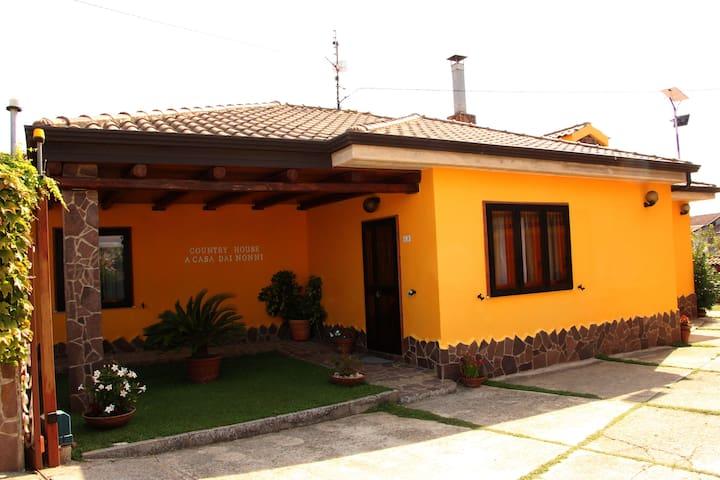 """Casa Vacanze - Country House """"A Casa dai Nonni"""""""