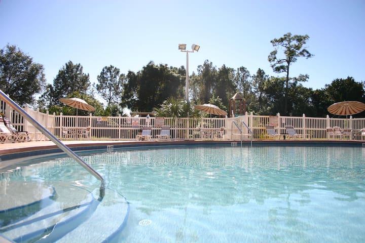 2 Bed/2 Bath Condo Unbeatable Spot by SeaWorld/TBD
