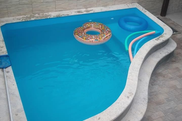 Ótima casa com piscina exclusiva em Canasvieiras