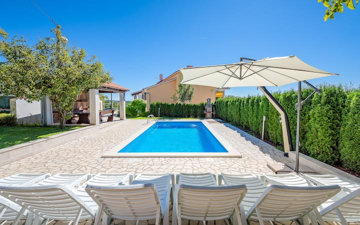 Villa Semy with private pool