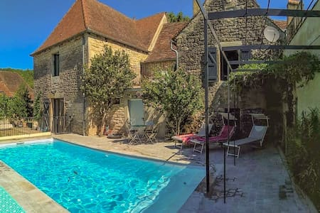 Stylish renovated villagehouse with private swimming pool garden and lovely view