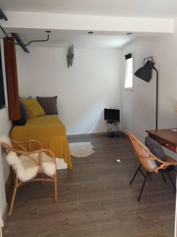 Ventabren, une chambre au cœur du village...