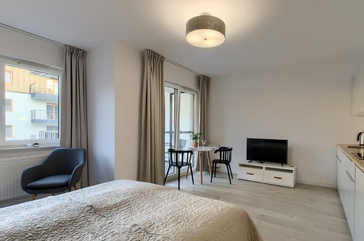 Apple Green Apartment 32A, City Center