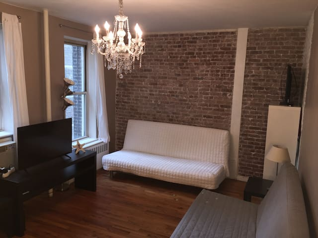 Clean & Large room hearth of NYC Midtown!!