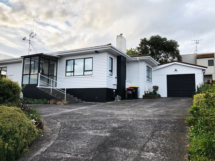 Trendy renovated home in Matua