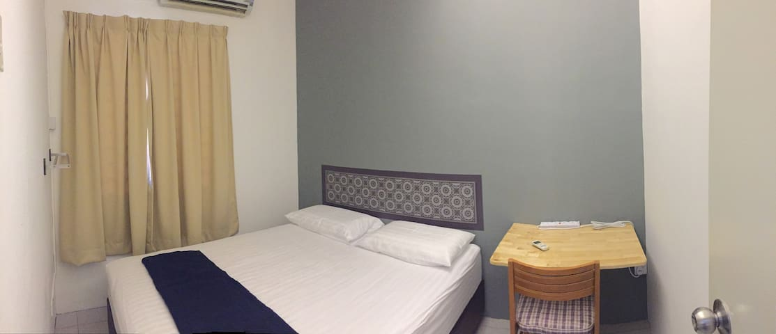 Queen bedroom at Bkt Chedang Seremban