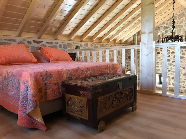 Quarto | Bedroom   Na mezzanine | In the mezzanine