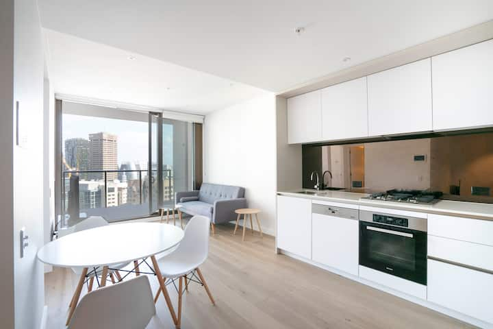 Brand New Modern Apartment in Darling Harbour CBD