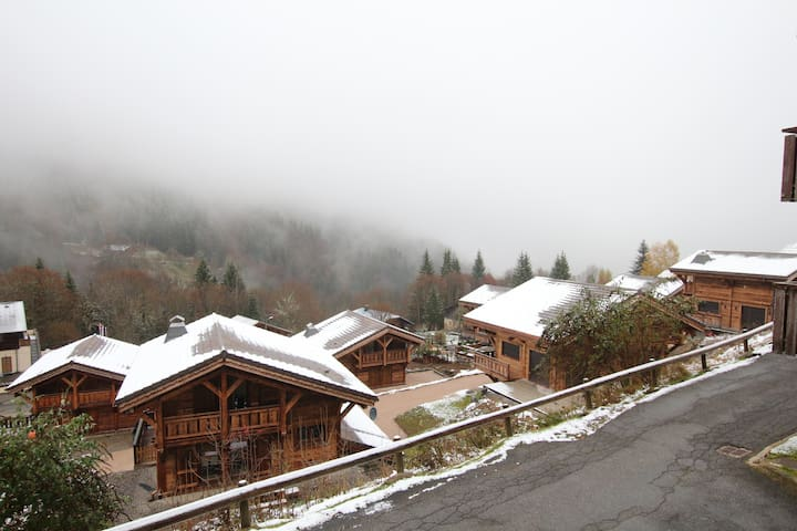 LunnLee. Bright, Family-Friendly Mountain Retreat - Saint-Jean-d'Aulps - Appartement