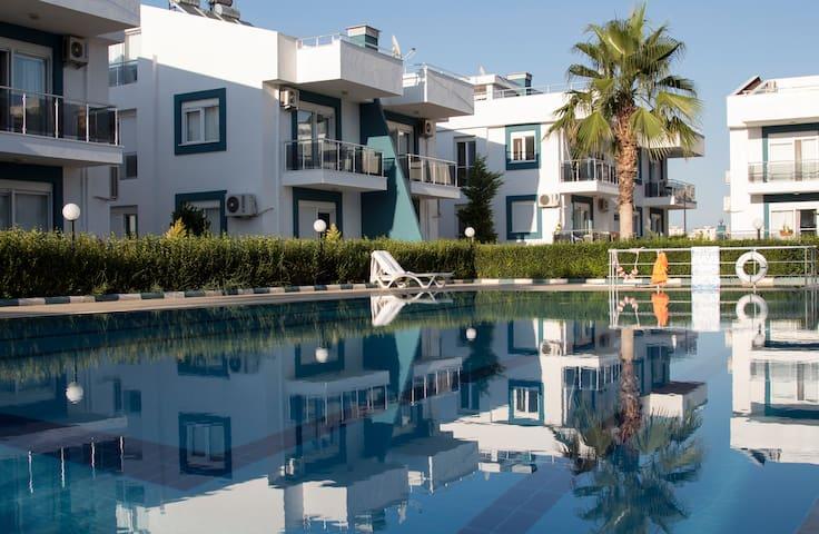 Antalya'da  site içerisinde kiralık 2+1 Daire - Aksu - Pis