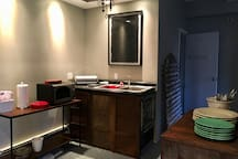 Kitchenette with all the basics