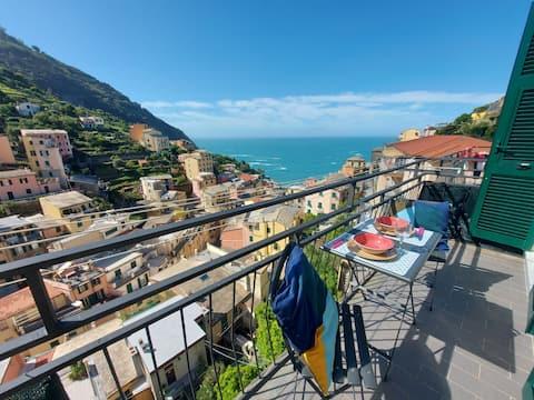 Riomaggiore with view Free wifi  011024-LT-0030