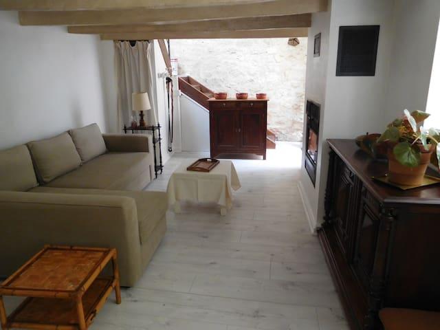 Maison de village, Montpezat de Quercy