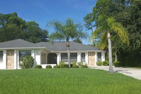 Thaw Out - Tropical Oasis Home Away From Home - Port Charlotte