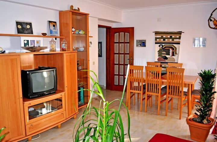 Quarteira Excellent T2 Apartment, near traditional market and beach