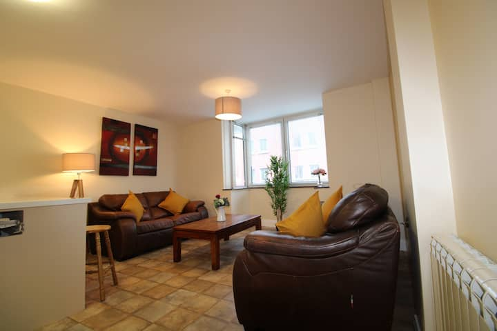 Large 3 bed apartment, Galway City Centre.