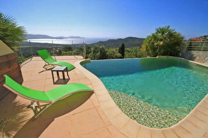 Villa avec piscine ,vue mer  pour 15 personnes - Lumio
