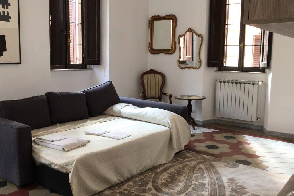 Salotto con divano letto