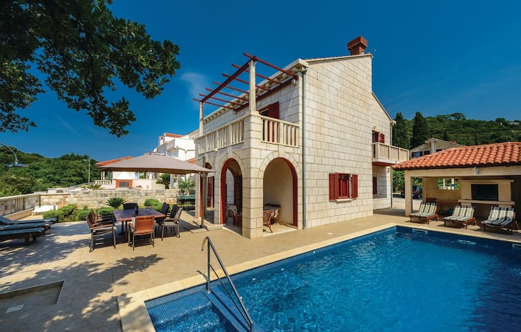 Anka - Villa with Terrace and Swimming Pool