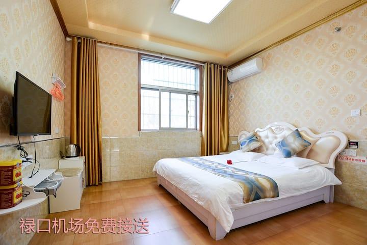 张府雅居花园酒店(南京禄口国际机场店)-温馨大床房