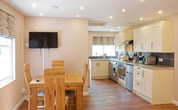Rose Cottage - charming self contained cottage