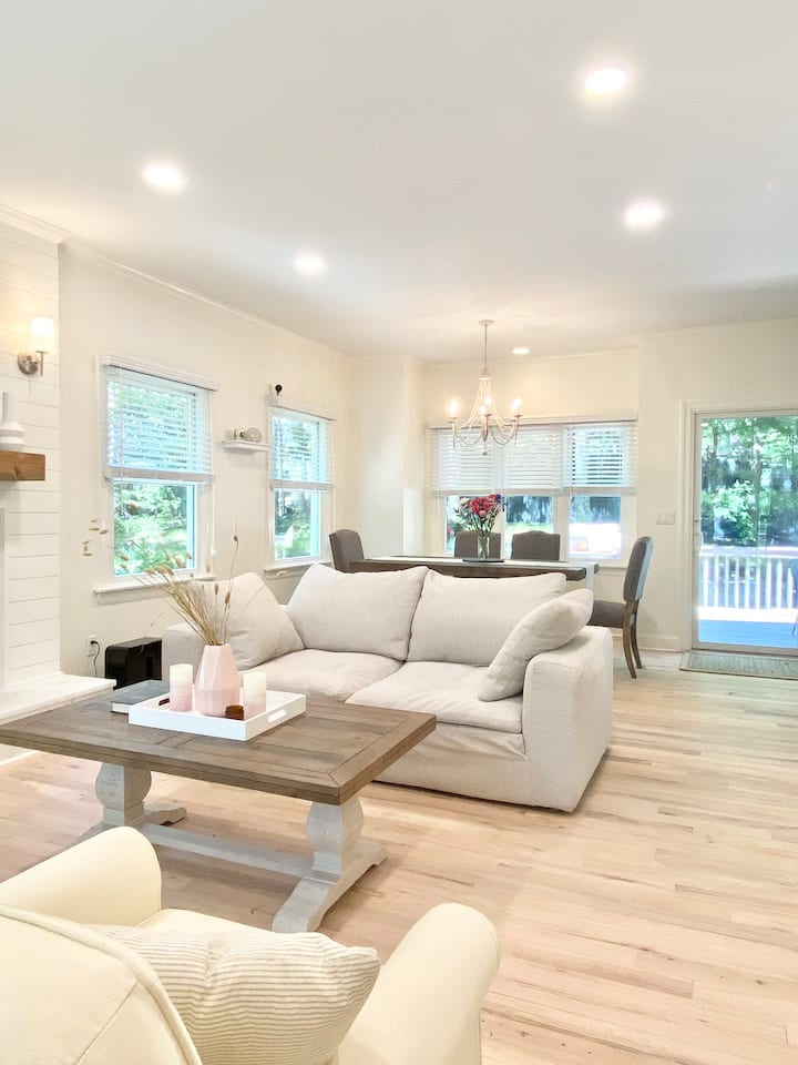 Newly Renovated, Spacious Hamptons house