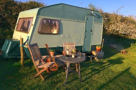 Caravan 'Glamping'  in South Devon village - Frogmore - Andere