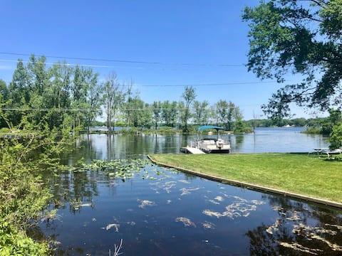 Lake Cabin,500 acre all sports lake on Snug Harbor