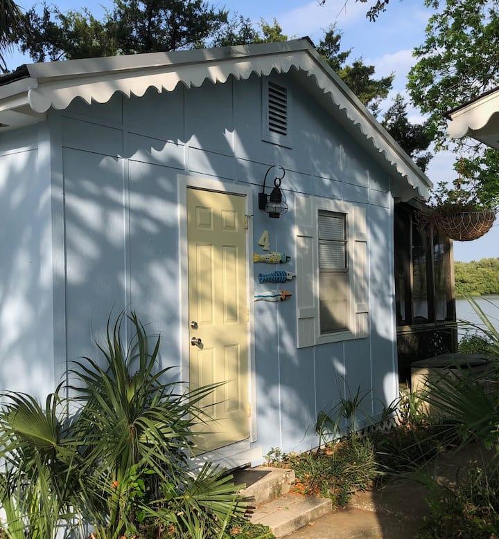 Pirates Cove Coastal Cottages - Cottage #4