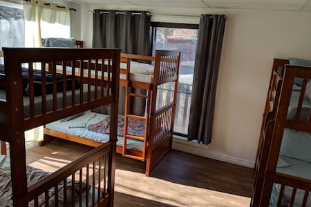 Co-Living Space in the Heart of Toronto! (6)