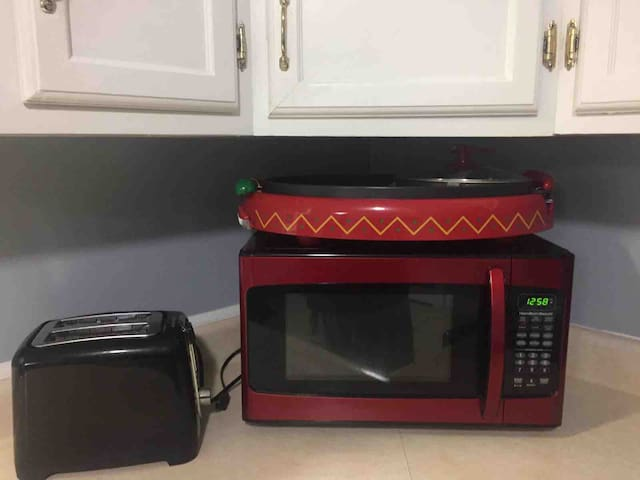 microwave, toaster and grilling station for soft tacos
