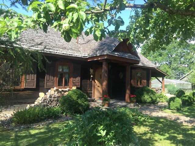 Urokliwa Chata blisko Białowieży