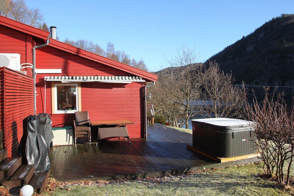 ferienhaus am fjord mit bootssteg h user zur miete in. Black Bedroom Furniture Sets. Home Design Ideas