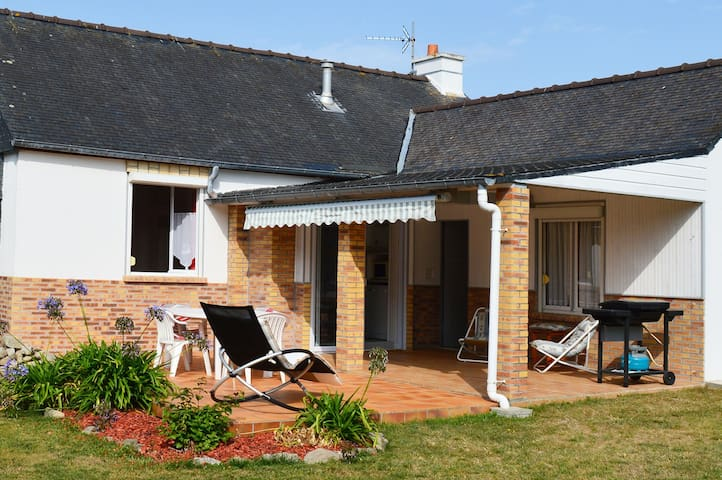 In the heart of Ile-Grande for 4 people!