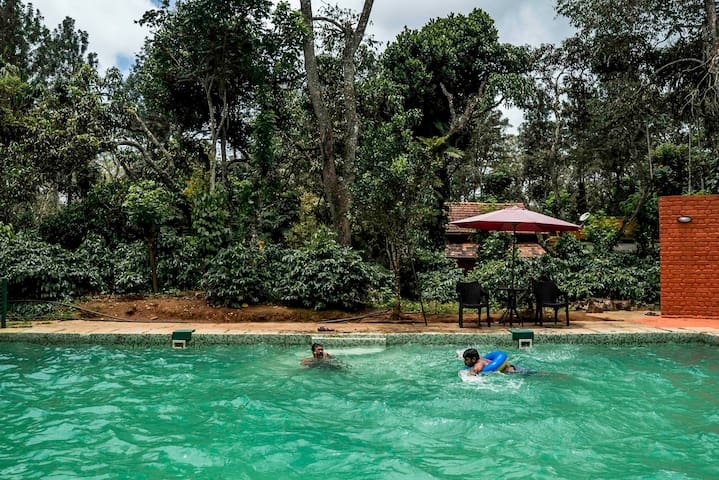 Estate Bungalow in Coorg W/ all meals and Pool