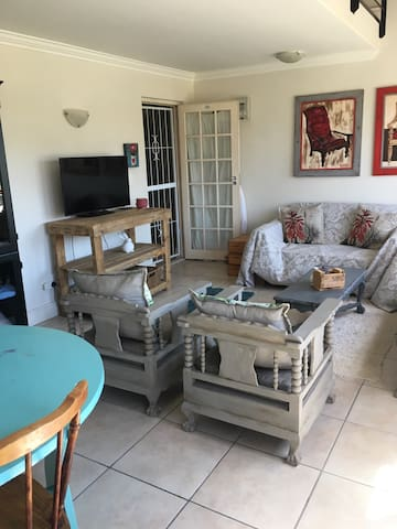 2 Bedroom Apartment in De Wijnlanden, Stellenbosch - Kapstaden - Lägenhet