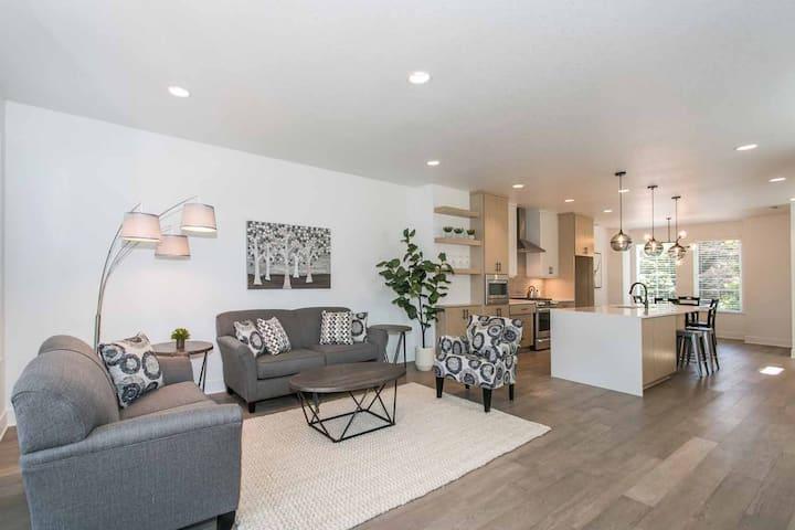 Beautiful, New Home in Alberta Arts District