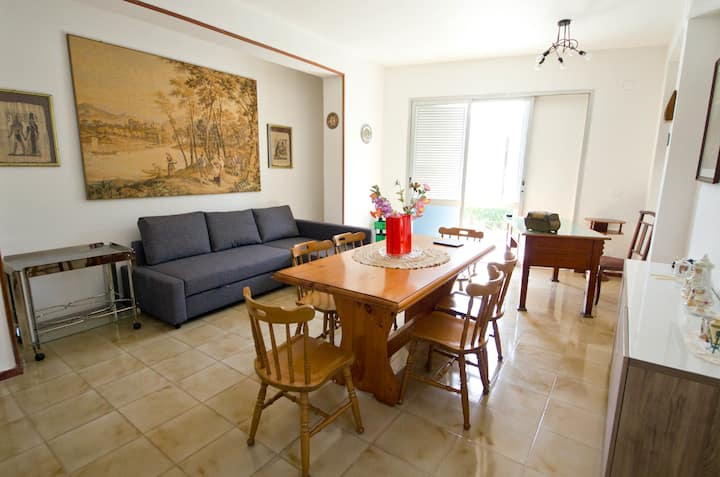 Bright flat in Mondello villa  350 m. to the beach